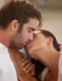 Addison,Tarde Espanola,A sweet and passionate afternoon in Spain. Enjoy her excellent oral skills and their awesome orgasms.