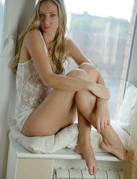 Stunning blonde masturbating